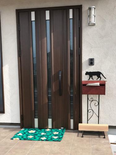 ポスト 郵便受け スタンドタイプ デザインポスト 南京錠 鍵付き 表札用シール付 猫 レッド 赤