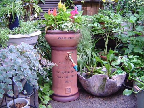 テラコッタ風の立水栓をようやく見つけました!