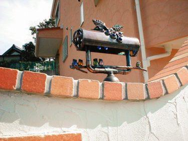 家族も楽しむ職人が丹精込めて作り上げる屋外照明(門灯・表札灯)