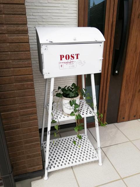 郵便ポスト スタンドタイプ アンティーク 郵便受け スタンド ポスト 置き型 ポストボックススタンド 幅435×奥行310×高さ955 ホワイト 組立式 前入前出 メールボックス プランター 台 アイアン 贈り物 ギフト おしゃれ 送料無料
